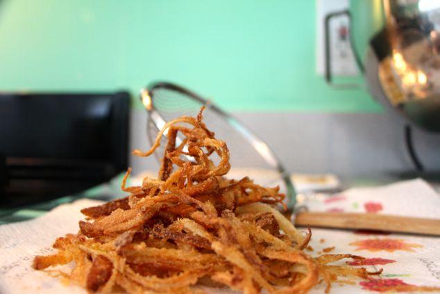 fried crunchy sliced onion