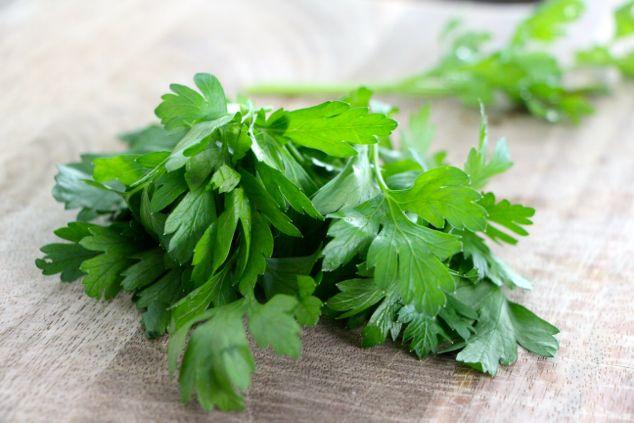 parsley for shakshuka