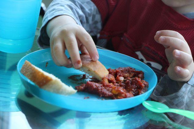 kid plate Shakshuka