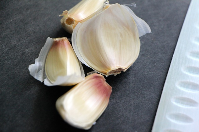 garlic cloves up close