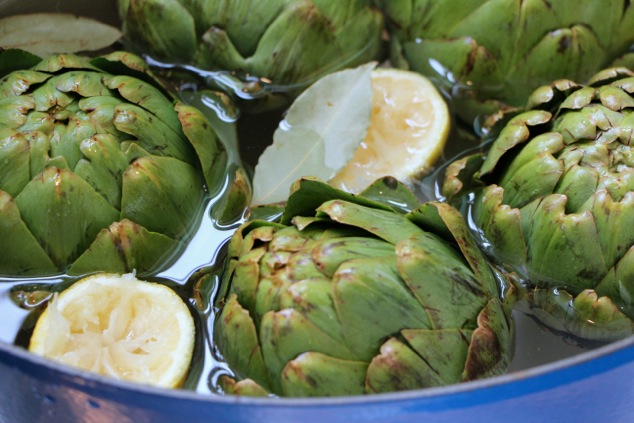 Boiled Artichokes – a Tunisian After Party